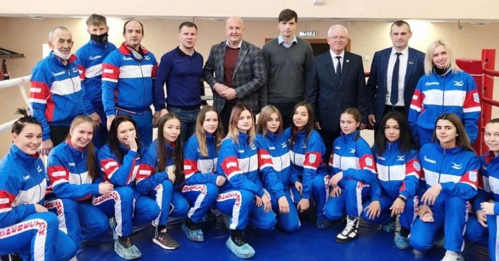 Торжественное награждение — спортивными костюмами СШОР «Буревестник».